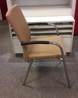 Bezoekersstoel van Hilten Beige-2