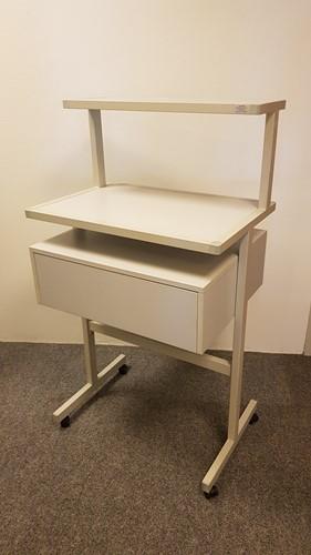 Machinetafel verrijdbaar inclusief opbergvak grijs (2e hands)-3