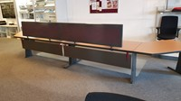 Opstelling met twee tafels  80/90x180cm inclusief aanbouwbladen