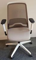 Bureaustoel Interstuhl New Every EV211 wit / zitting ER21 grijsbeige, netbespanning beigegrijs 8125-3